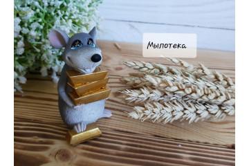 Крыс со слитками золота
