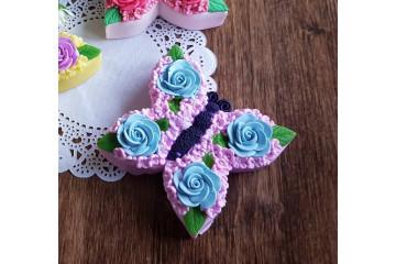 Бабочка из цветов