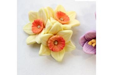 Букет из 3 цветков нарцисс