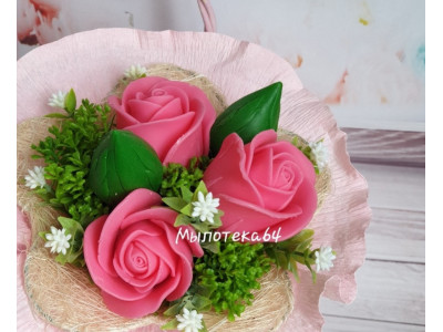 Бутон розы закрытый