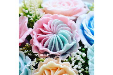 Роза зефирная малая