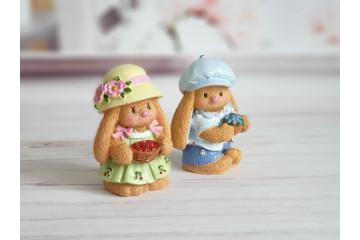 Зайка девочка в шапочке